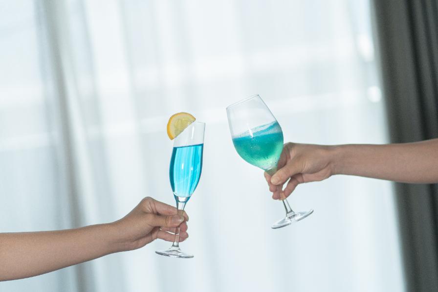 ブルーの日本酒カクテル