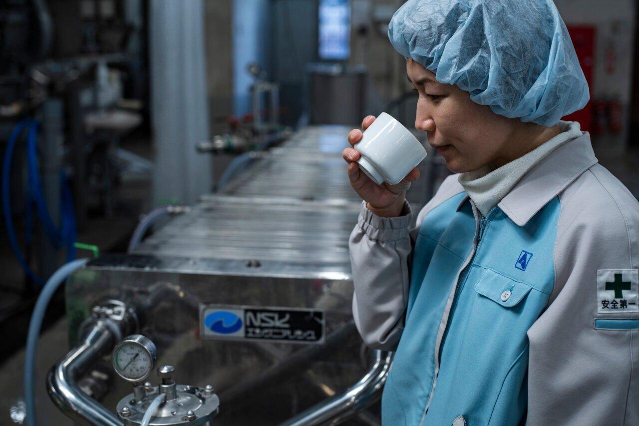 """日本酒の造り方を解説!蔵から引き継いだお酒を""""磨き上げる""""工程「調合精製」 - KUBOTAYA"""