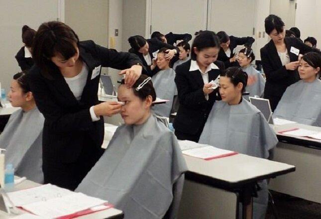 【ピアスグループの研修制度】すべての基礎となる初級共通教育