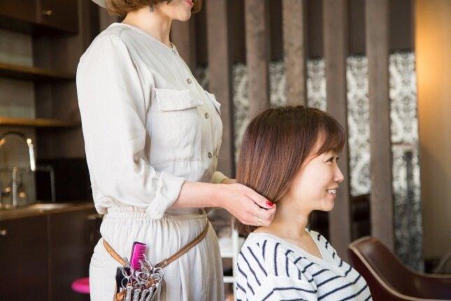 美容師からの異業種転職をお考えのあなたへ -選べる選択肢と一歩を踏み出す準備-