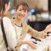 カバーマークの製品でお客さまに笑顔を。販売職のやりがい - PIAStyle(ピアスタイル)|美容が好きな人の、自分らしい働き方が見つかるサイト