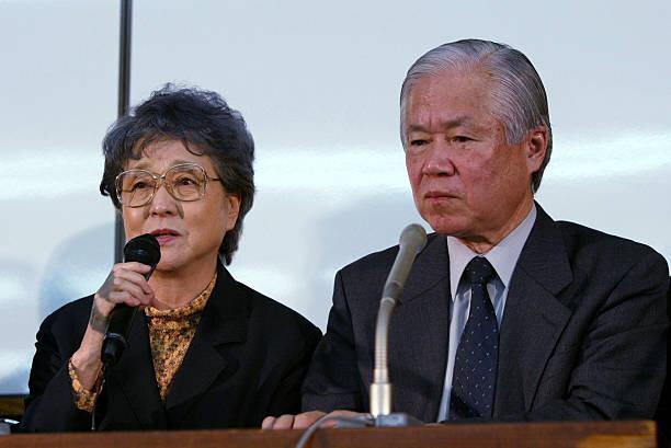 横田さん一家を悲しませた 朝日社説と政治家の実名