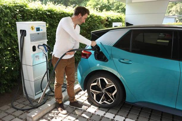 杉山大志:電気自動車は本命なのか、技術の歴史から考える...