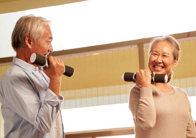 高齢者が無理なくできる筋トレで認知症や寝たきりを予防しよう