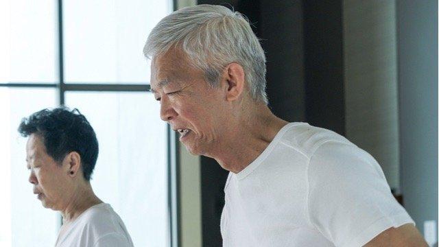 高齢者が有酸素運動するメリットとウォーキングするときの注意点