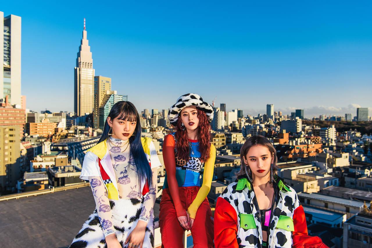 E-girlsメンバーによるHIPHOPユニット・スダンナユズユリー 新曲「TEN MADE TOBASO」のミュージックビデオを公開!