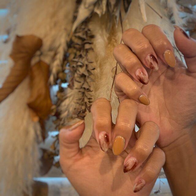 秋の大人かわいい指先♡くすみカラーで作るニュアンスネイル特集