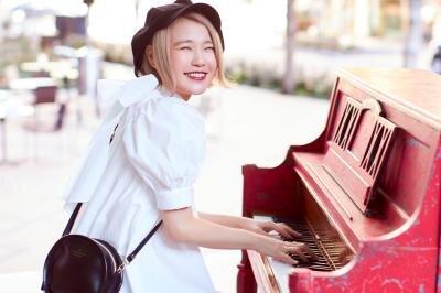ピアニストYouTuberハラミちゃん、総動画再生回数2億回、チャンネル登録者数90万人突破!