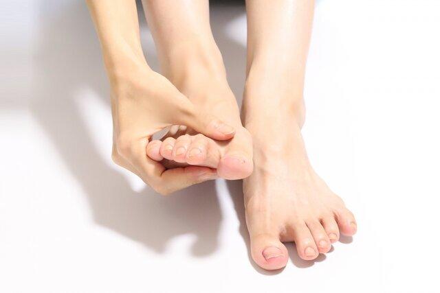 ネイリストがおすすめする!痛い深爪を早く治す方法【原因・治療法・矯正】