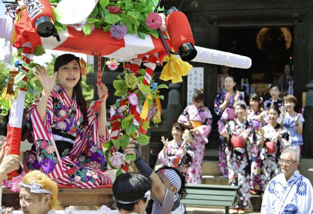 """6月に行きたい名物祭り""""愛染祭"""""""