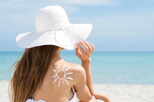 正しいケアで夏の肌を乾燥から守りましょう!