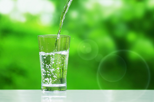 ダイエット中の方の多くが間違っている?!効果的に水を飲むタイミングをご存知ですか?