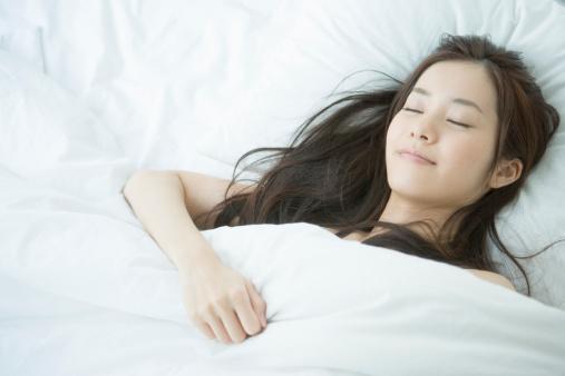 美白豆知識!:美肌と睡眠時間の関係
