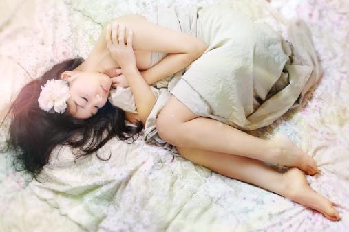 最近なかなか寝付けない・・・不眠に悩んだらヨガを初めてみませんか?