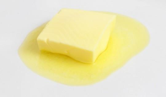 バターには、ビタミンA、E、Dなどの脂溶性ビタミンが多...