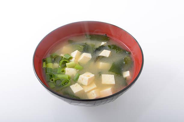 味噌汁の具人気BEST3は豆腐・わかめ・油揚げだそうな...