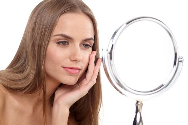 毎日、どのくらいの時間、鏡を見ていますか?一日1回は、...