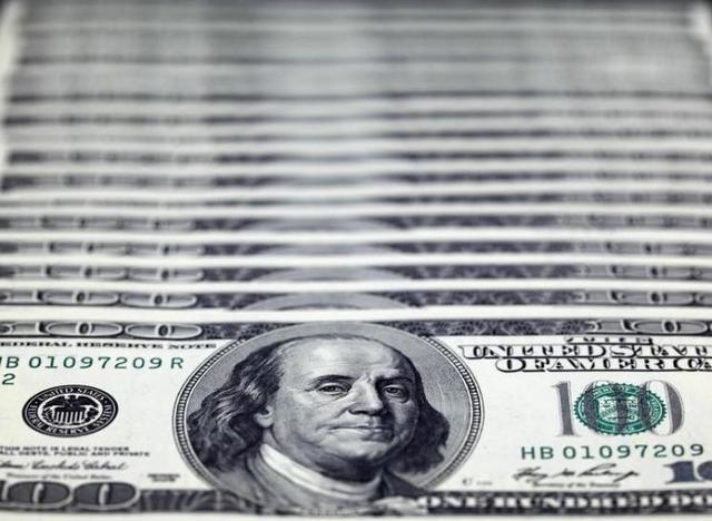 外貨預金は長期視点で。手数料・金利表示に注意です。