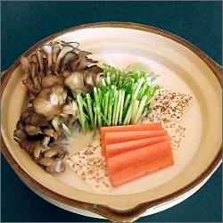 冬に美味しい白菜をメインに、水菜・きのこ類・豆腐などな...