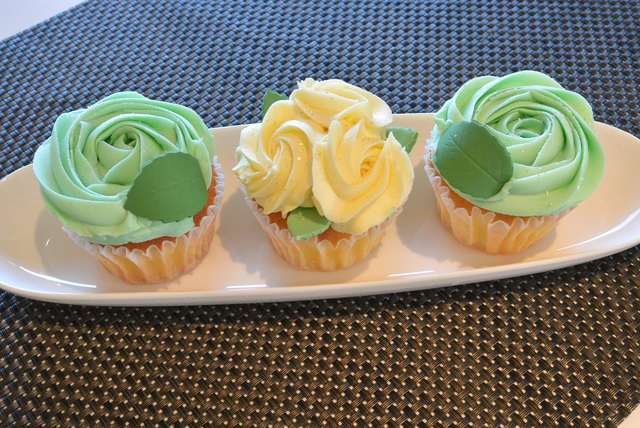 「LOLA'S Cupcakes」