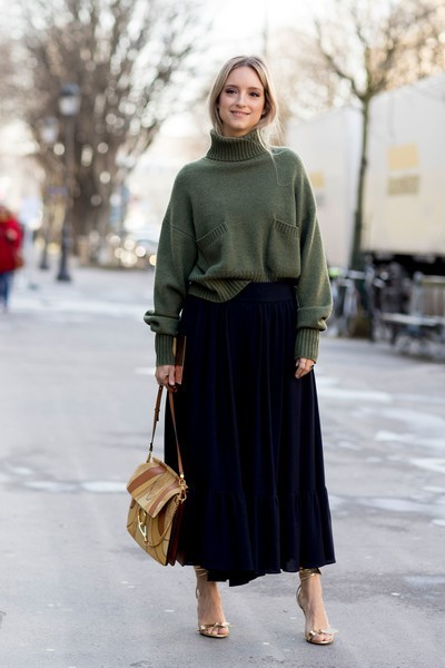 Chunky Sweater and Skirt - 60 Outfit Ideas From Paris Fashion Week's Street Style - Livingly (44395)