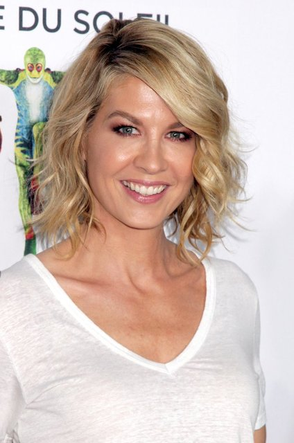 Jenna Elfman | Best Celebrity Beauty Looks of the Week | Jan. 24, 2014 | POPSUGAR Beauty Photo 4 (46238)