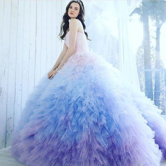 "Kiyoko Hata on Instagram: ""#weddingdress #dress #couturefashion  #couture #fashion #flowerdress #japan  #ウエディングドレス#ドレス#プレ花嫁  #カラードレス#花嫁 #結婚式 #きれい #グラデーション#紫陽花#ふわふわ…"" (47875)"