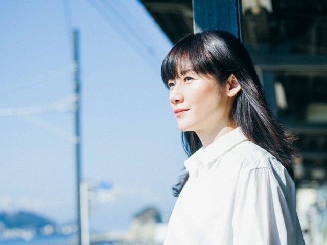 原田知世、デビュー35th記念し代表曲をセルフカバー『私の新しい「ロマンス」を感じていただけたら』   BARKS (48260)