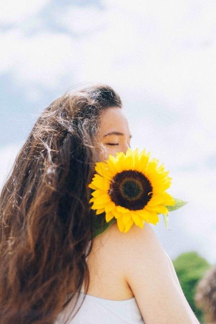 Lace & Lilacs  » Sunflower 🌻 (48709)