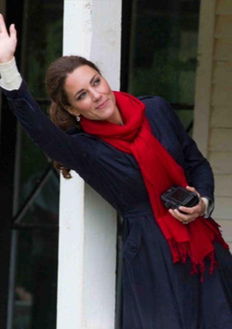 The Duchess of Cambridge wearing Pickett pashmina stole - Picket Insights (50837)
