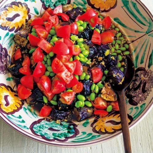 揚げなすと枝豆とトマトのサラダ