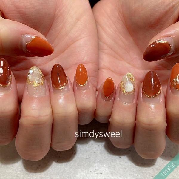 ブラウンとオレンジのフレンチネイル