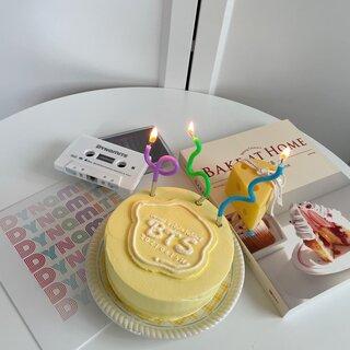 可愛いケーキでもっとハッピーに!今すぐオーダーしたいセンイルケーキ4選🧁🕯