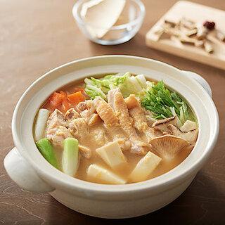 今年も鍋パの季節がもう目の前🍲無印良品の「手づくり鍋の素」シリーズであったまろ!