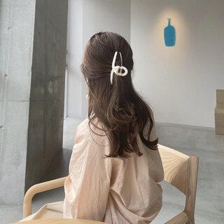 韓国で定番人気!ヘアクリップで簡単&おしゃれに髪をまとめよう♡