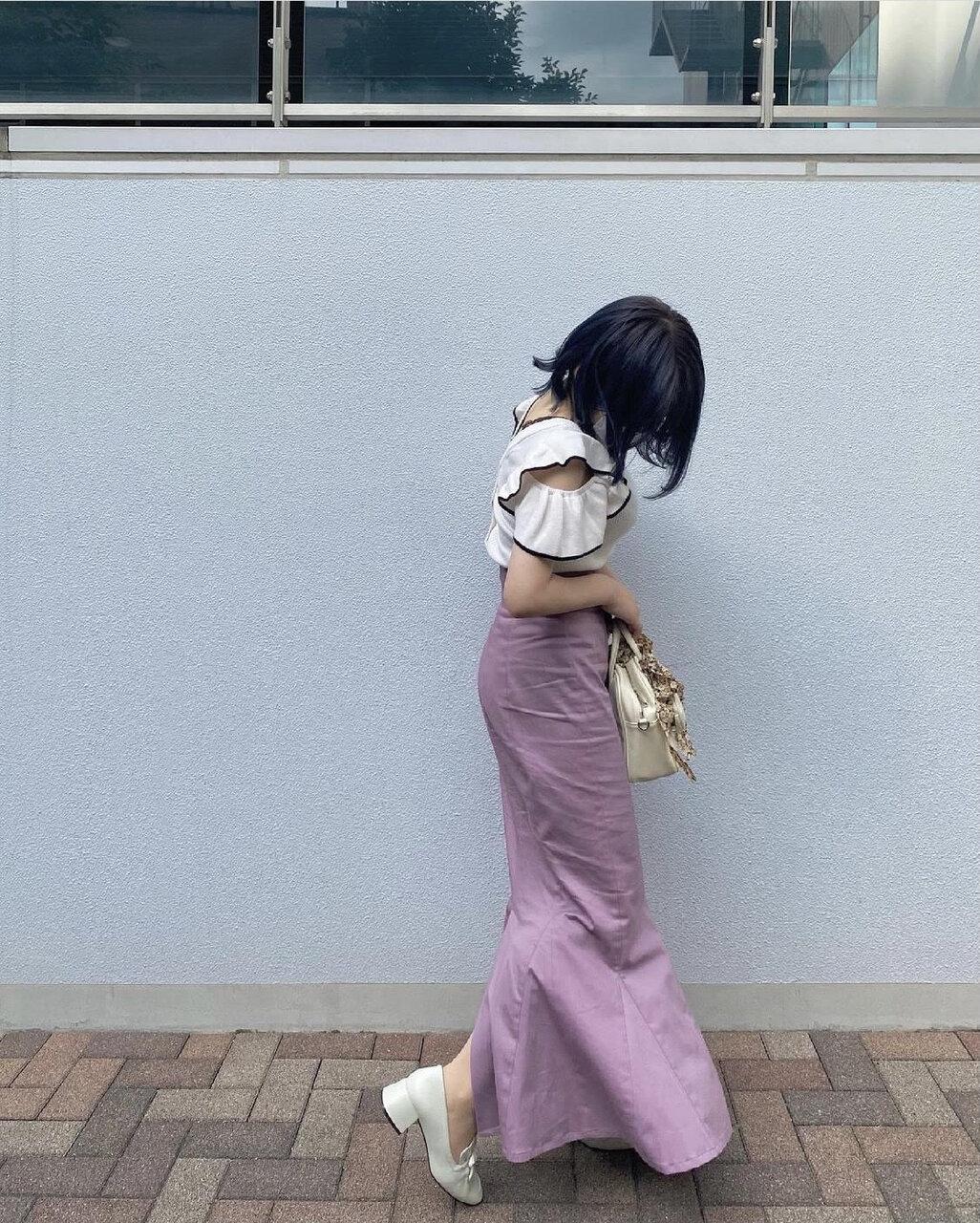 華やかライン♡マーメイドスカートが休日もオフィスコーデにも大活躍!