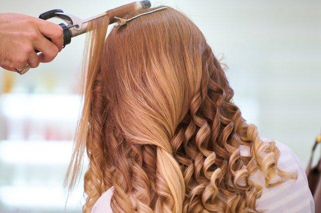 くせ毛にもう悩まない!くせ毛を可愛く見せるヘアスタイル4選