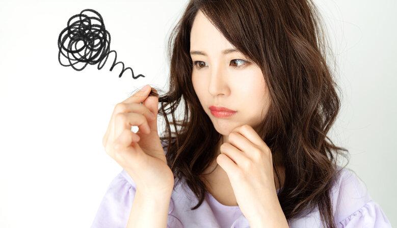 くせ毛の女性は悩みに合わせてアイテムや対策を変えるのがおすすめ
