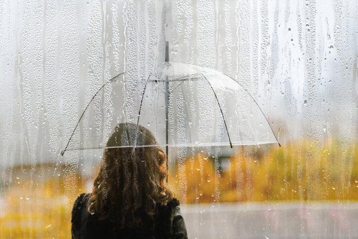 雨の日に美容室に行くべきか問題…注意点もあるけどメリットのほうが多い