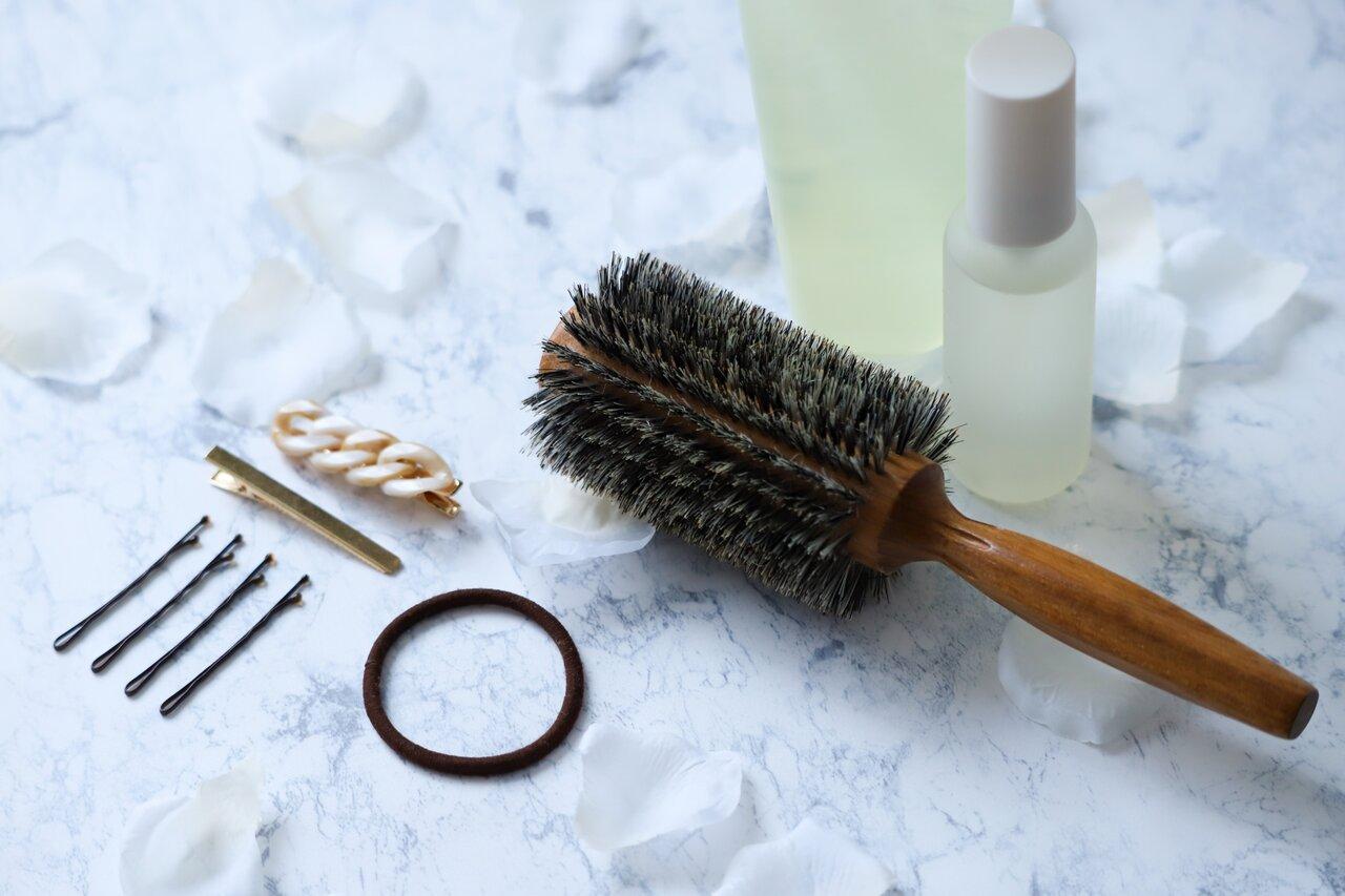 持ち運びしやすい♪サッと髪を直せる厳選8アイテム!