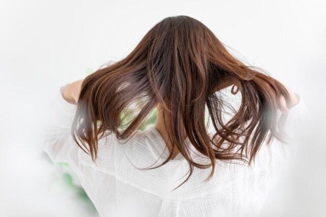 「これって朝にするのはNG!?」気を付けたい朝のヘアケア方法!