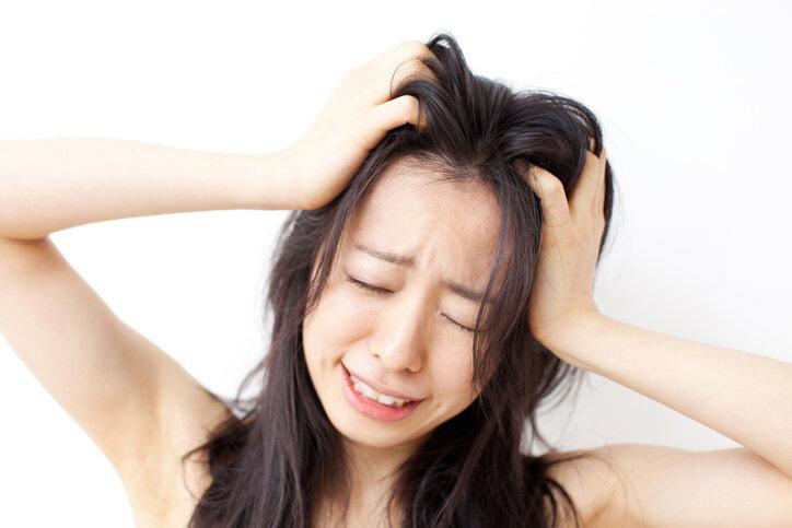 髪の毛がベタつく原因を徹底的に調べてみた‼︎