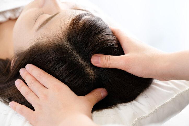 頭皮マッサージをしても逆効果?正しい方法でないと薄毛が進行する…