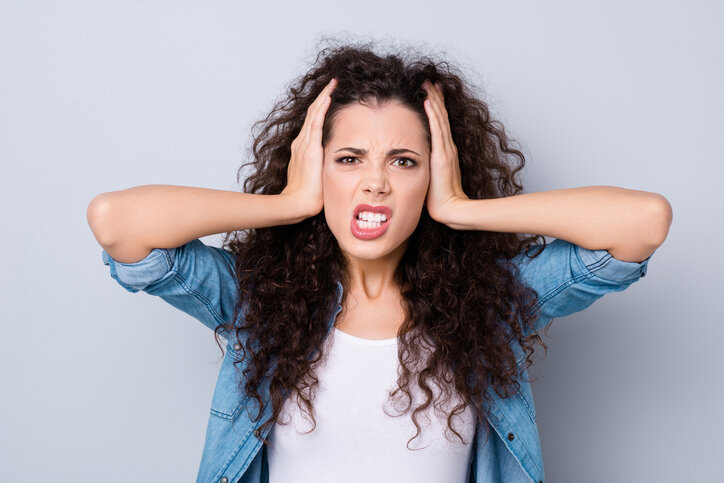 髪のボリュームを減らしたい…3つの方法から合ったものを選ぶべし