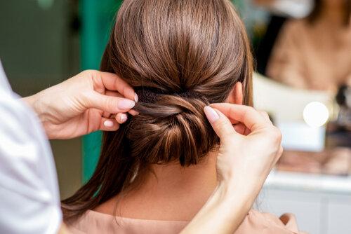 メッシーバンで簡単に外国人風の髪型に?簡単にできる方法をチェック