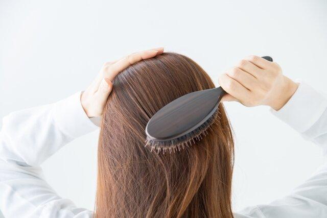 ヘアブラシ洗ってる!?清潔なヘアブラシで頭皮を優しくヘアケア♡