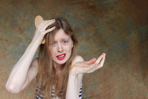 女性の薄毛の境界線とは?次の5つのチェックポイントが多いと危険!?