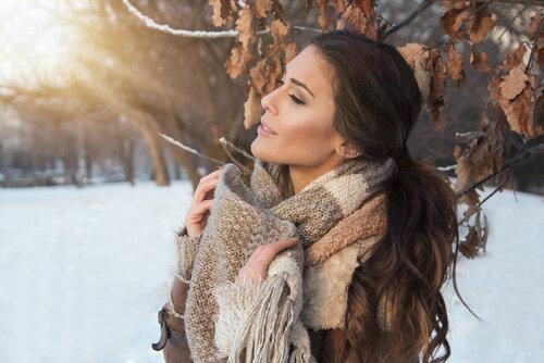 寒い時期によく着る冬服に似合うのはローポニー!時短アレンジ伝授!