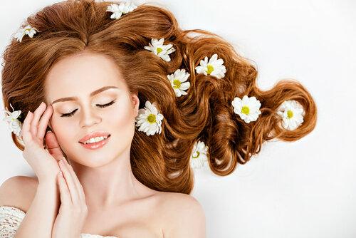 髪からいい匂いがする…そんな女性はシャンプーとフレグランスを意識する!