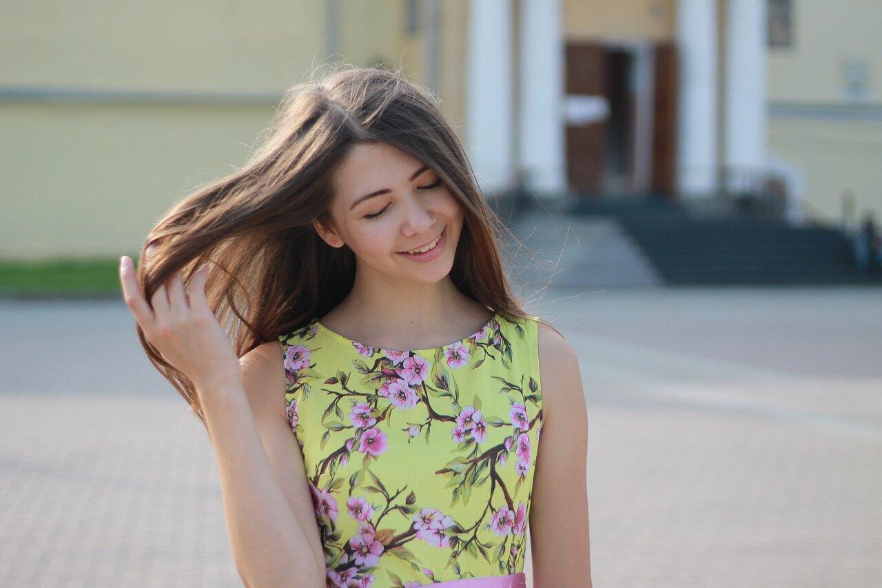 あざとかわいいミルクティーカラーでモテ髪に!旬の髪色で愛され女子に♡